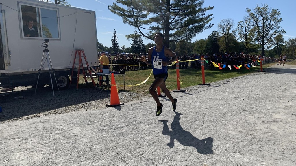 Strong races by Plummer and Morant led the charge for UC XC team at Magee Meet